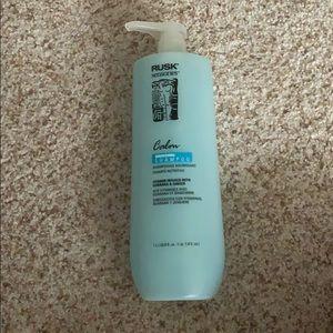 NEVER OPENED Rusk shampoo
